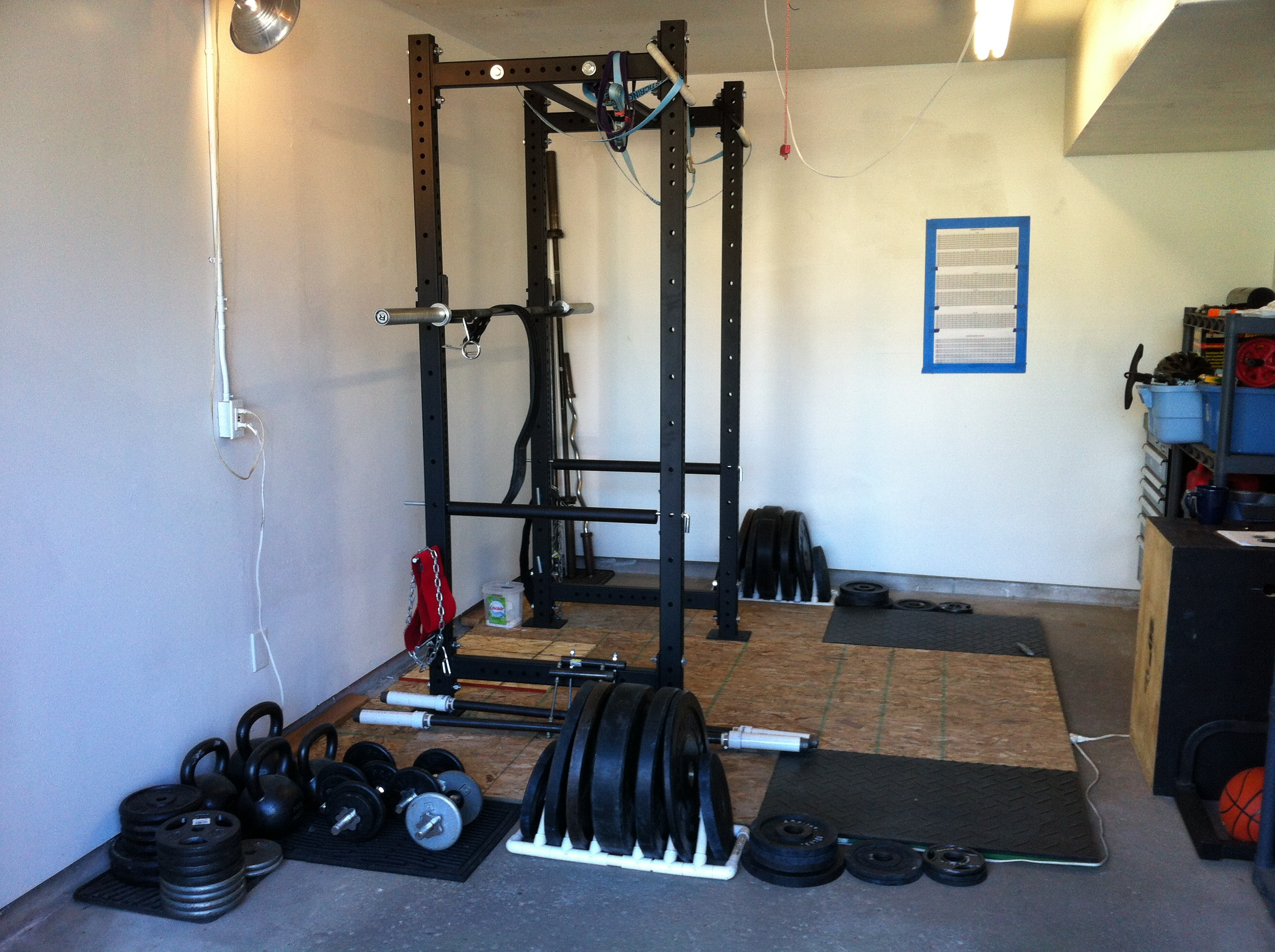 Weight lifting garage gym guy